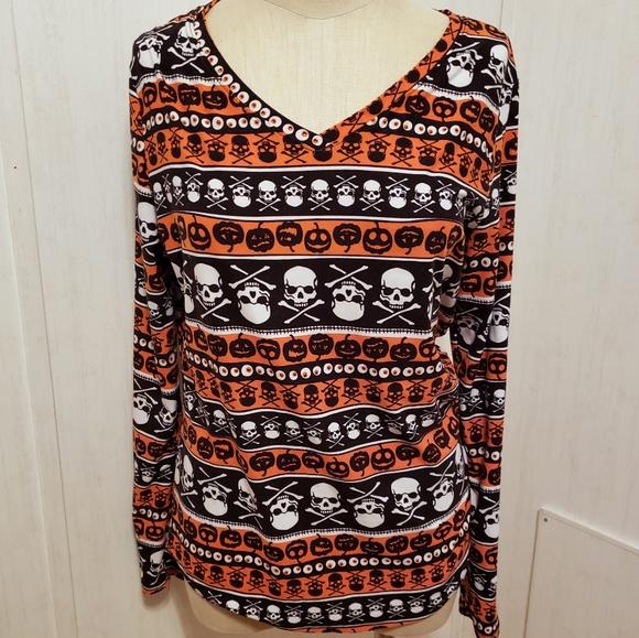 No Boundaries Tops - Halloween Shirt with Skulls & Pumpkins